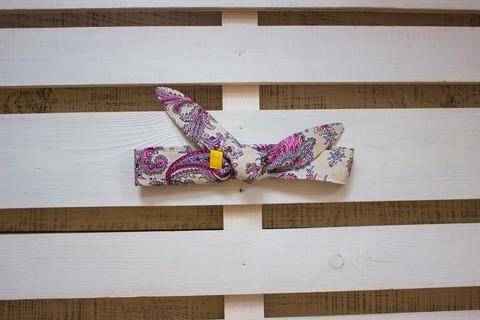 Повязка на голову (солоха) бежевая с фиолетовым пейсли