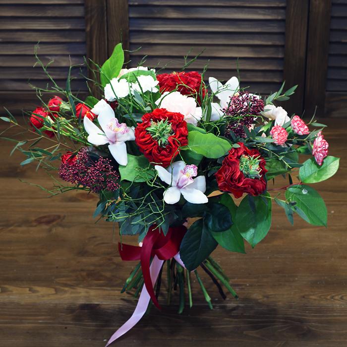 Букет дизайнерский купить в Перми с орхидеей и розой
