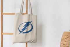 Сумка-шоппер с принтом Тампа-Бэй Лайтнинг (NHL Tampa Bay Lightning) бежевая 001