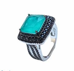 40065- Роскошное кольцо из серебра с кварцем цвета парабаиба и черными микроцирконами