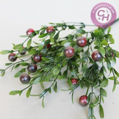 Искусственная зелень брусничник перламутровый с ягодами, букет 7 веток, 35 см.