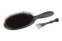 Branded brush-comb by Ruslan Tatyanin School