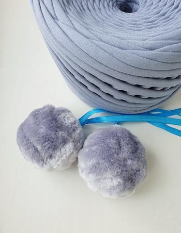 Помпоны из эко-меха,  5 см, цвет Серебристо-голубой волнистый, 2 штуки