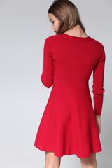 Трикотажное платье с расклешенной юбкой недорого