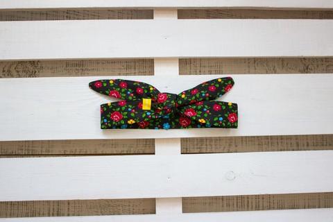 Повязка на голову (солоха) черная с красными и голубыми цветами