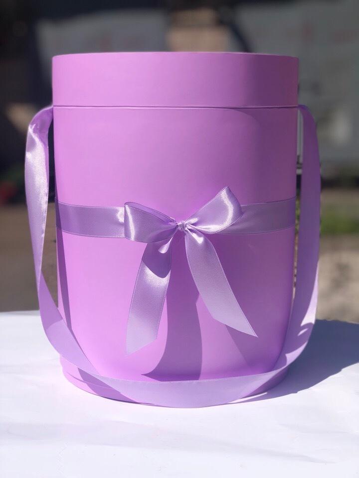 Шляпная коробка 22,5 см Цвет: Светло лиловый . Розница 450 рублей .