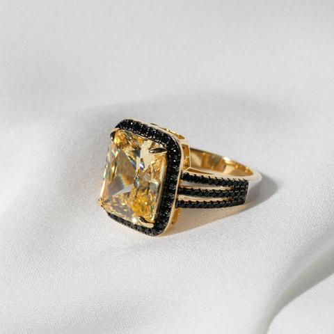 Кольцо с цирконом