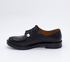 Черные кожаные ботинки на низком каблуке