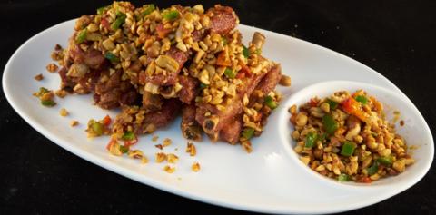 Ребрышки с арахисом от шеф- повара 风味排骨(大)
