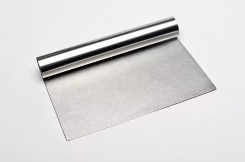 Шпатель металлический с ручкой (без разметки),16*9см