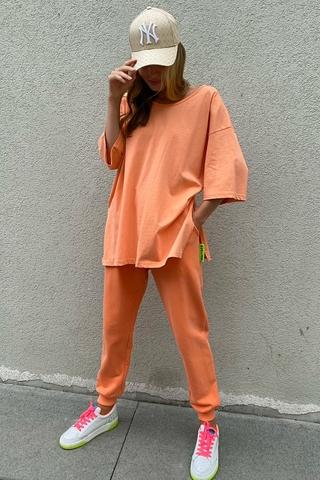 Костюм футболка и джоггеры, оранжевый