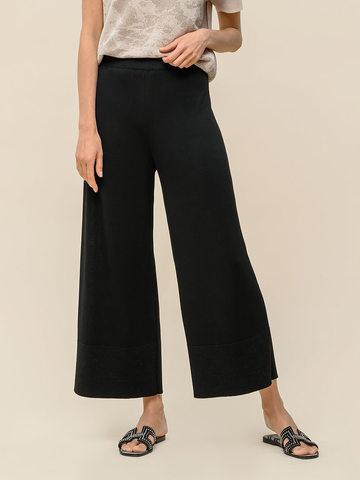 Женские брюки-клеш черного цвета из шелка и вискозы - фото 5