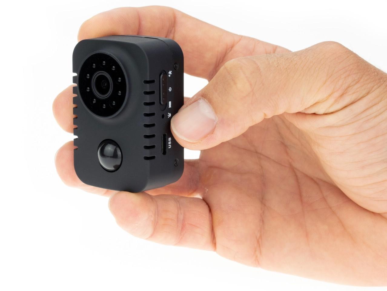 Мини камера Ambertek DV150 с записью на карту памяти