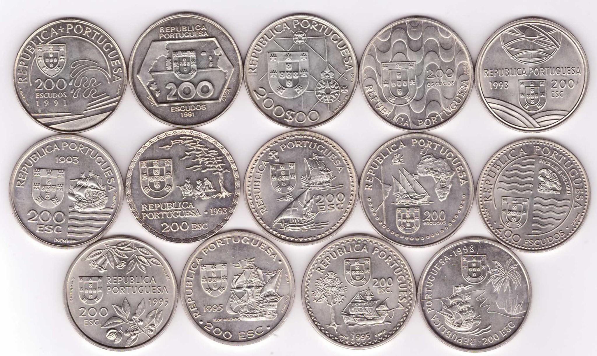 Набор из 14 монет