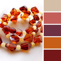некоторые подходящие цвета одежды для янтарных бус
