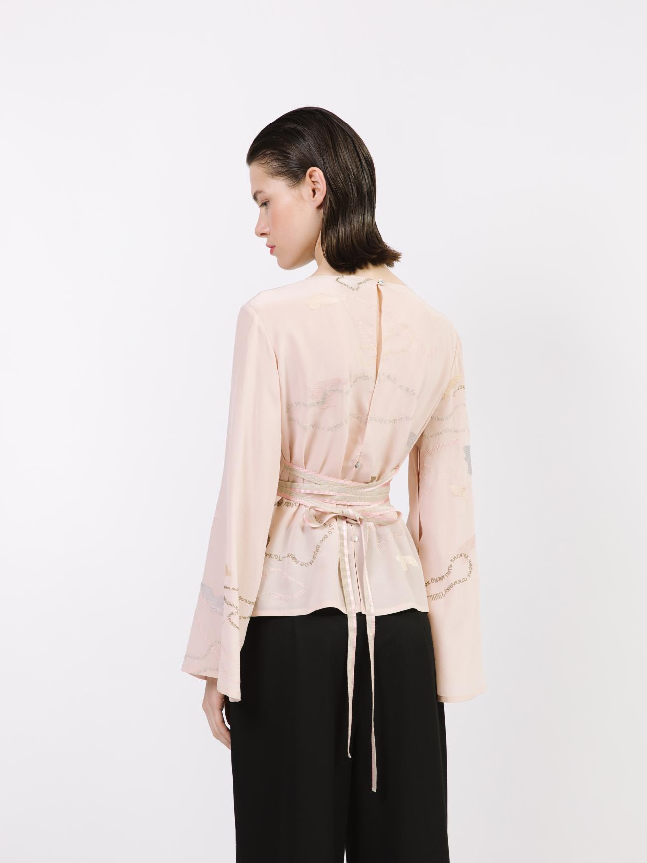 Блуза с открытой спинкой