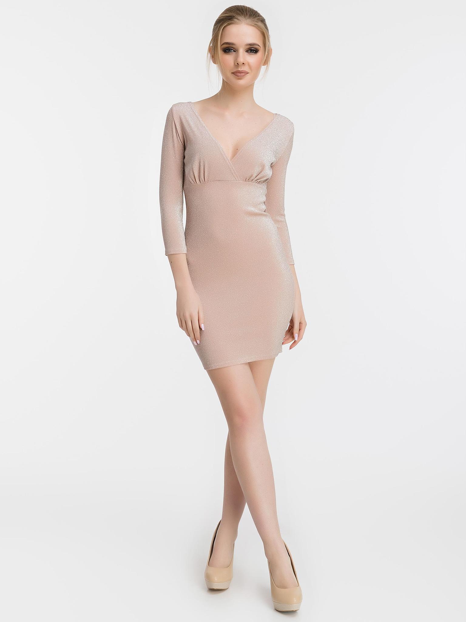 Короткое обтягивающее платье с люрексом, пудрового цвета