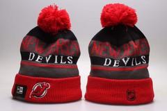 Шерстяная вязаная шапка с помпоном и с логотипом НХЛ Нью-Джерси Девилз (NHL New Jersey Devils)