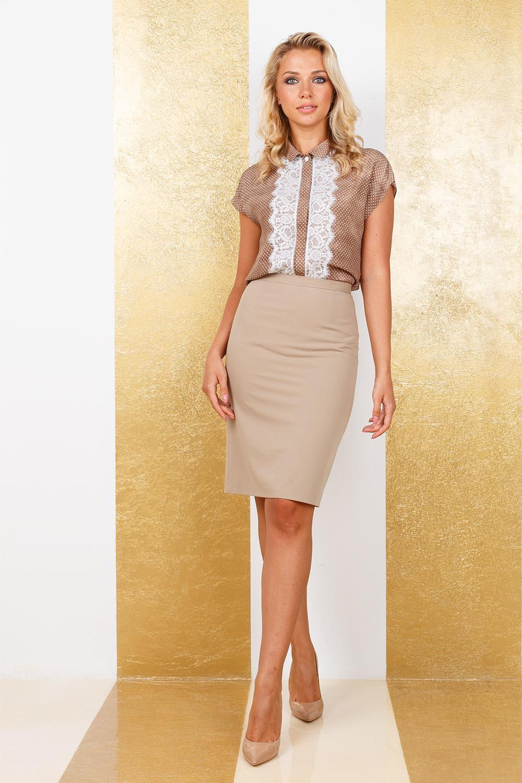 Блуза Г640-592 - Классическая модель блузы со спущенной линий плеча, отложным воротничком и супатной застежкой на пуговицы. Легкая, шелковистая вискоза и отделка из тонкого кружева - придадут вам женственности и изысканности.