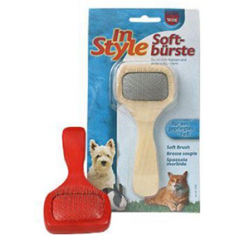 Trixiе 2358 Щетка-пуходерка д/собак и кошек без капли, пластиковая ручка 14*6см