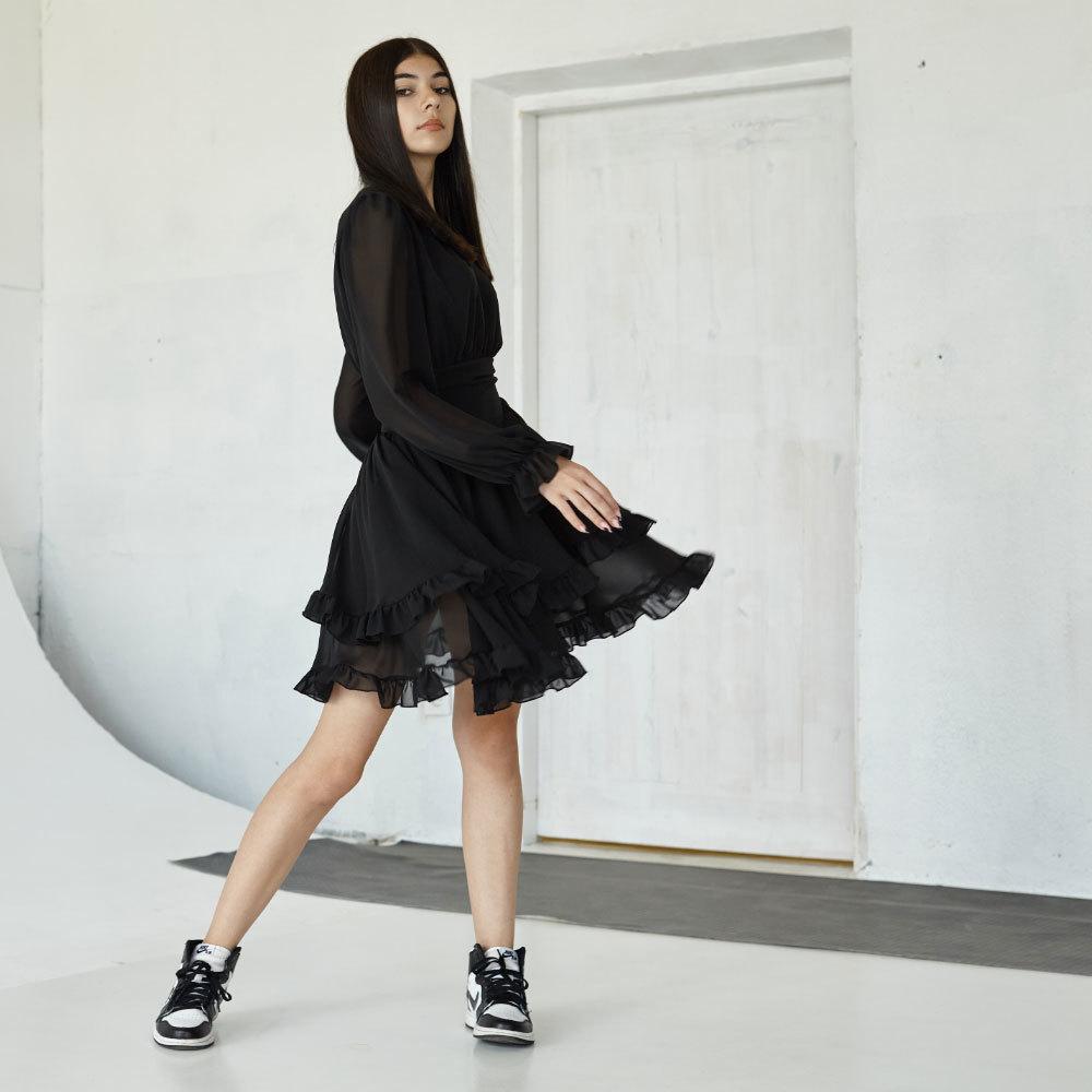 Подростковое платье в черном цвете