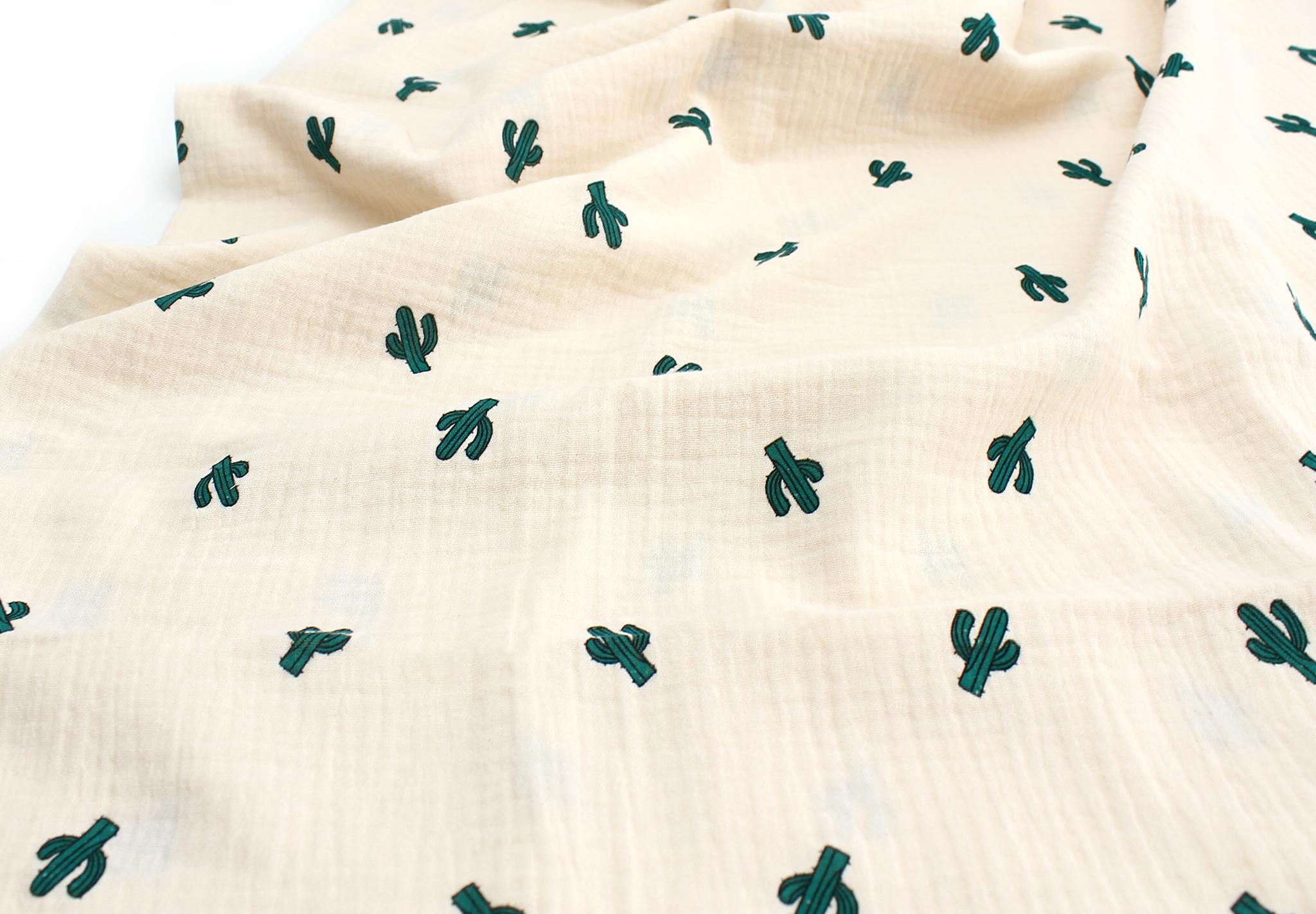 Ткань муслиновая,кактусы кремовый фон
