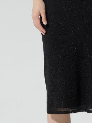 Женская двухслойная юбка-карандаш с люрексом черного цвета - фото 6