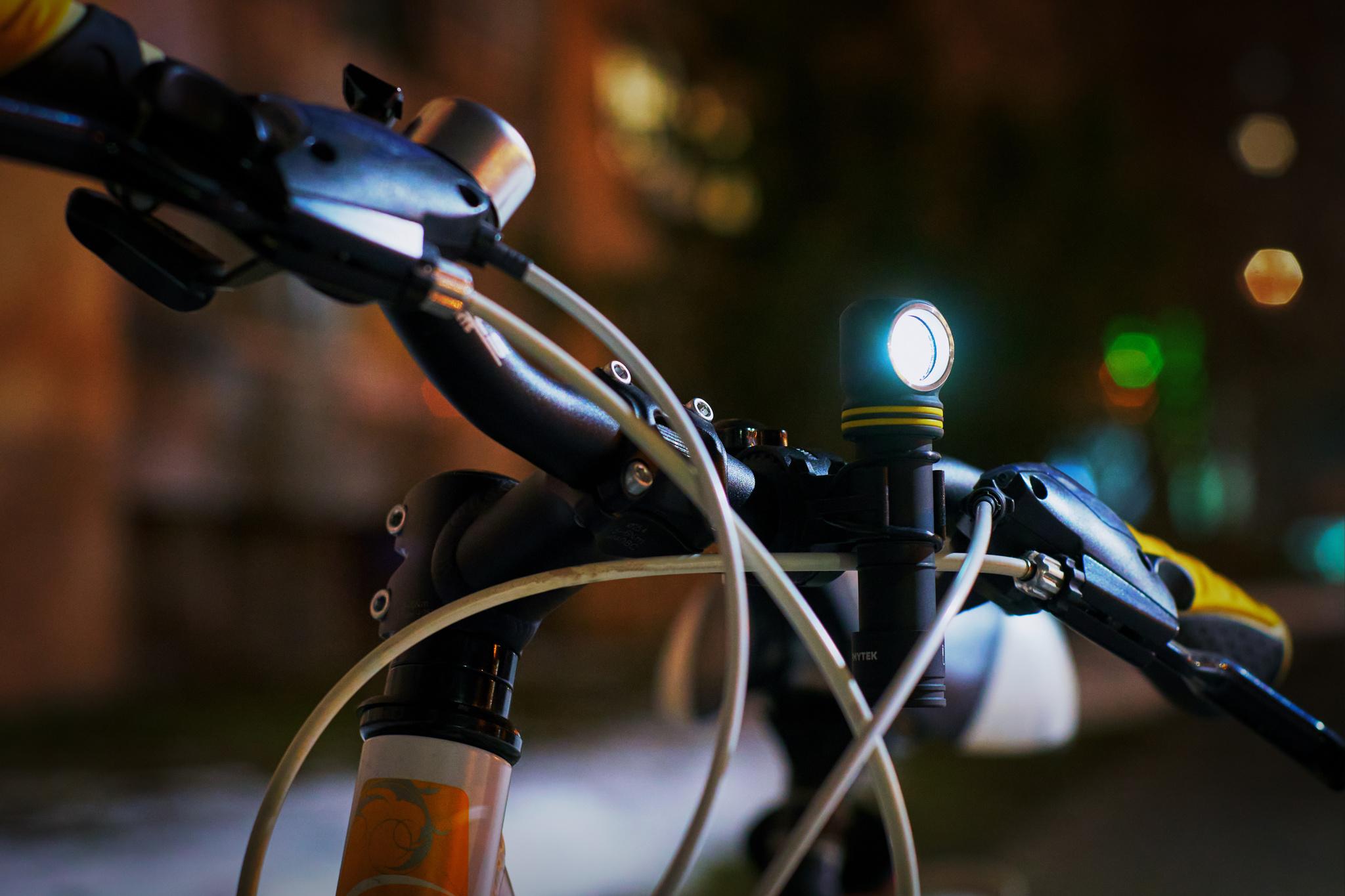 Налобный LED-фонарь Armytek Elf C2 Micro USB - фото 9