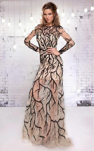 Lora 1536 платье с вышитым рисунком по всей длине, спина открыта, длина платья до пола, рукава длинные и прозрачные