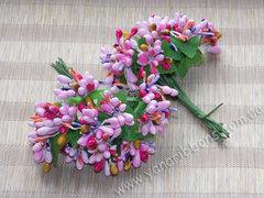 Тычинки в букете разноцветные розовые