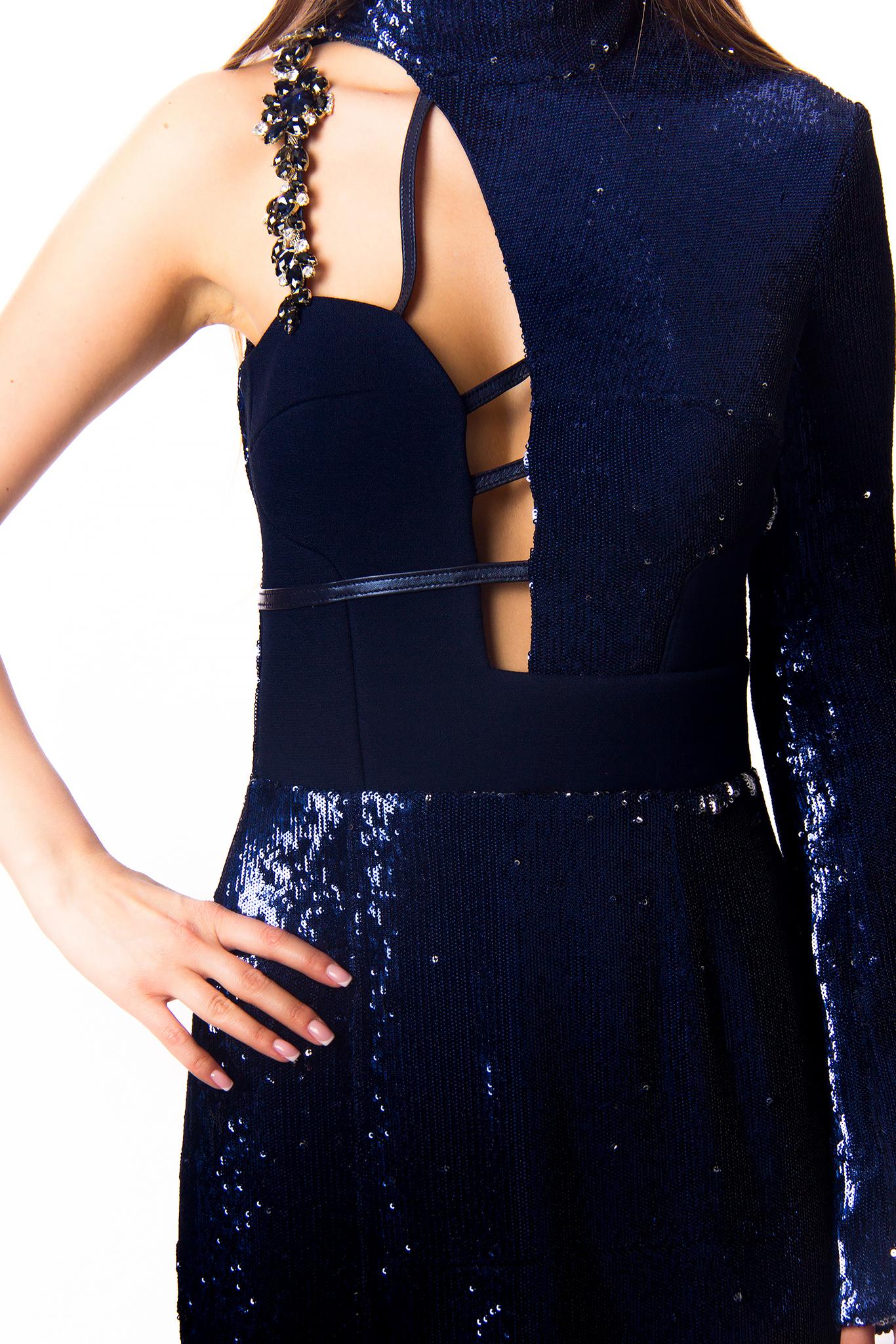 Вечернее платье из пайеток синее