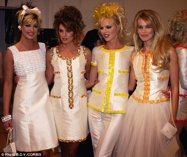Роскошное шёлковое платье с отделкой бисером и пайетками от Chanel, 36 размер