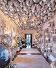 Оформить дом воздушными шарами