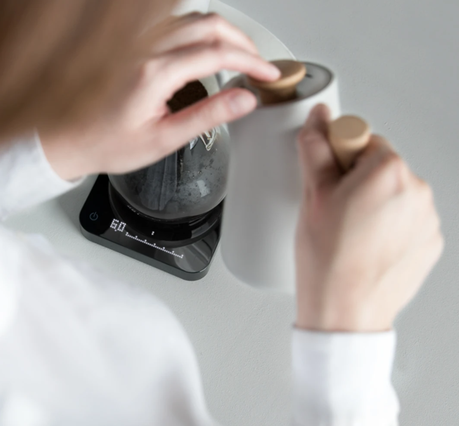 ACAIA PEARL MODEL S (black&white) - весы в белом и черном корпусе