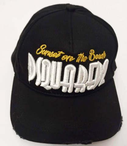 Популярная спортивная кепка с козырьком. Черная кепка dsquared2 Supset on the Beach
