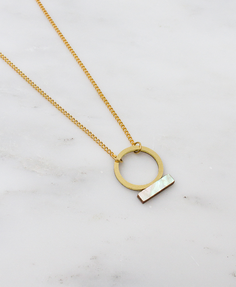 Loop-Necklace-Mother-of-Pearl1