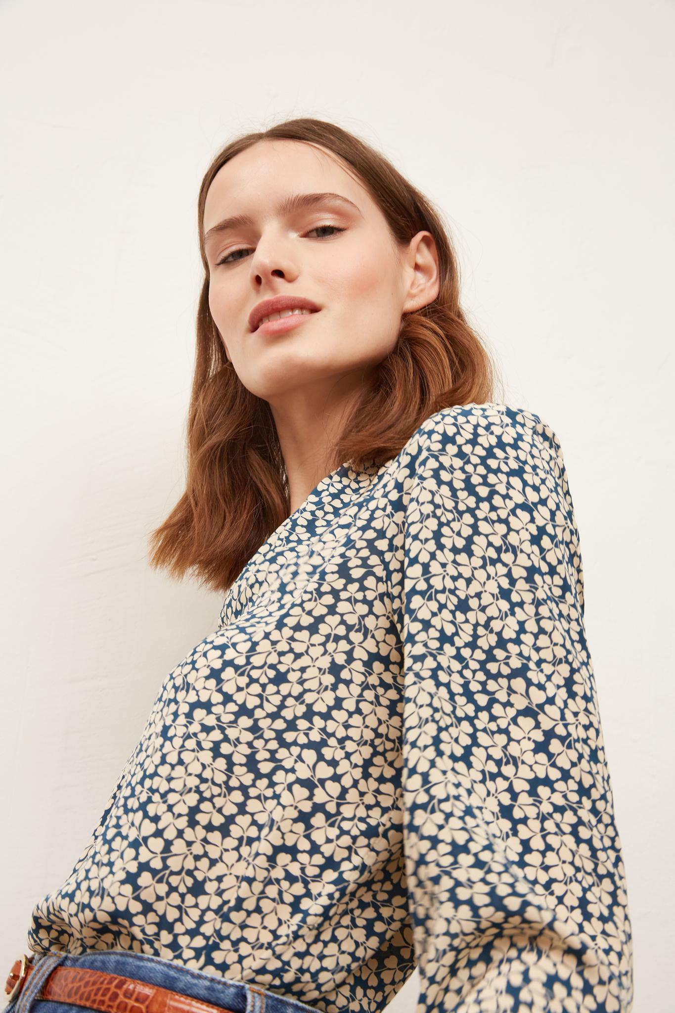NINA - Блуза с вышивкой