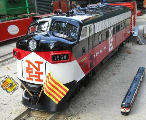 Garden Rail Тепловоз  E.M.D F7 на колею 12,7 см, электрический