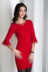 Дінара. Сукня з красивим рукавом. Червоний