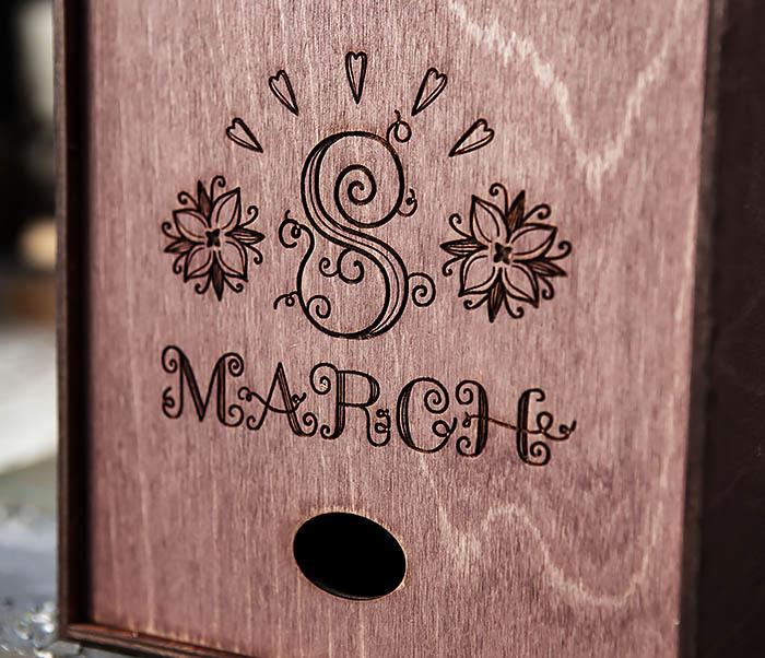 BOX224-3 Фиолетовая деревянная коробка «8 MARCH» (17*17*7 см) фото 02