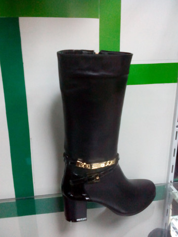 Сапоги зимние на каблуке женские Черные сапоги кожаные Foletti.