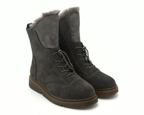 Зимние ботинки серого цвета из натурального велюра