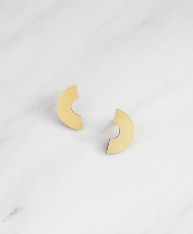Серьги Half Disc Studs Brushed Brass