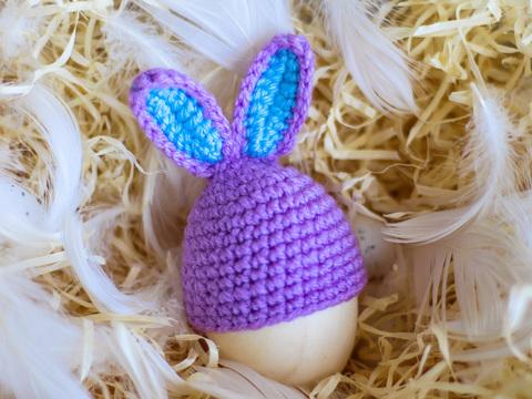 Великодній декор. Шапочка на крашанки - Кролик бузковий з бірюзовими вставками.