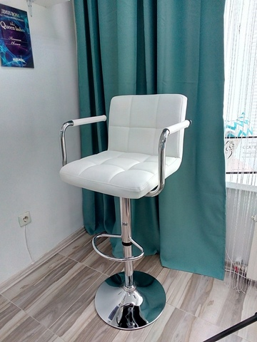 Барный стул с подлокотниками KrugerARM/КрюгерАРМ (стул стилиста/визажиста)