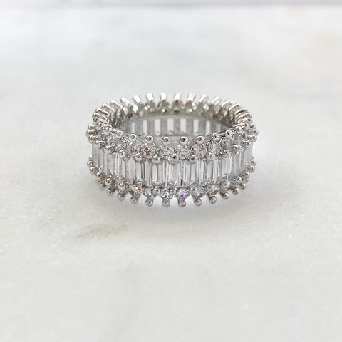 Кольцо с круглыми и багетными цирконами