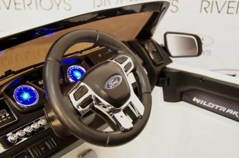 Электромобиль Rivertoys Ford Ranger 4WD белый (NEW-FORD-RANGER-WHITE)