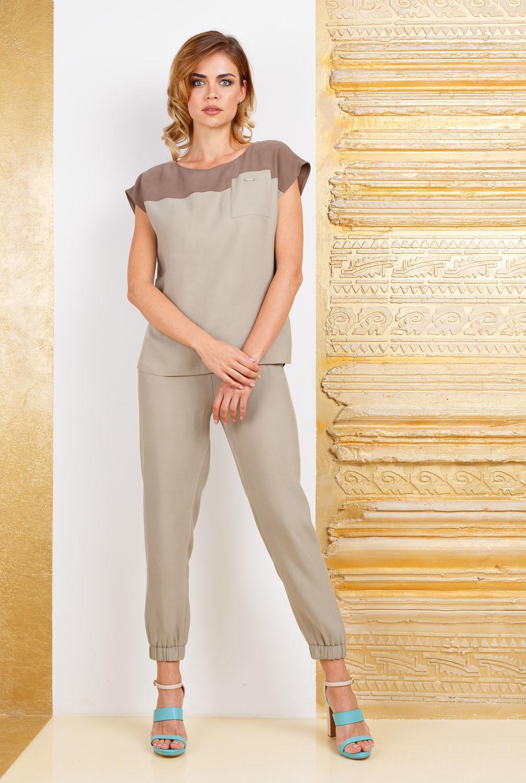 Блуза Г637-588 - Блуза прямого силуэта со спущенной линией плеча. Отрезная кокетка выше линии груди из контрастной  ткани такой же фактуры. Комфортная и практичная модель в стиле Casual