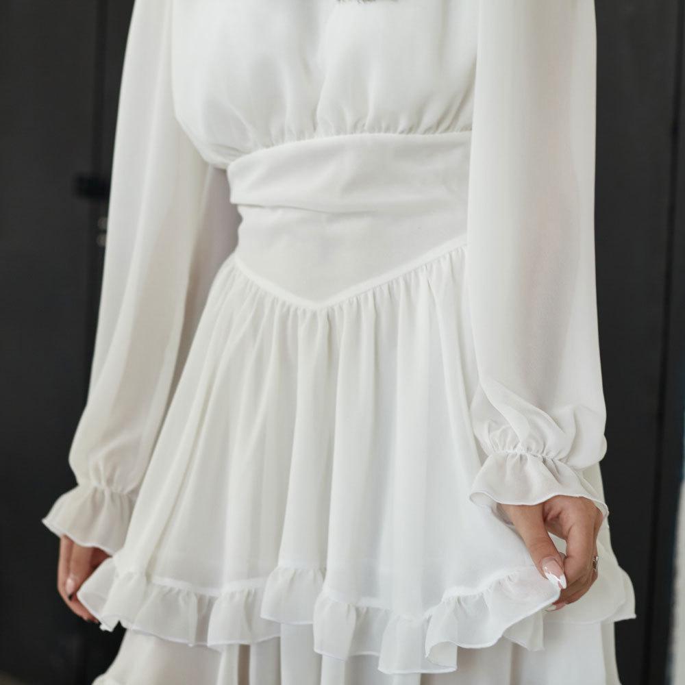 Подростковое платье в белом цвете