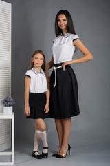 Софія. Красива блуза з мереживним коміром. Білий